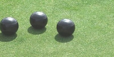 Choosing synthetic bowling green surfaces