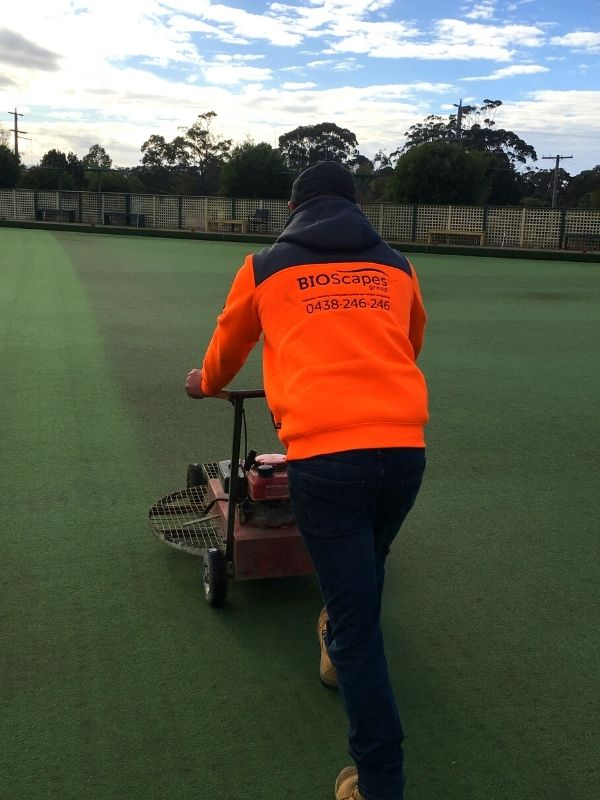 Repairing Synthetic Surfaces 1